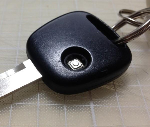 スズキ ワゴンRのキーレス ゴムボタンを交換しました。